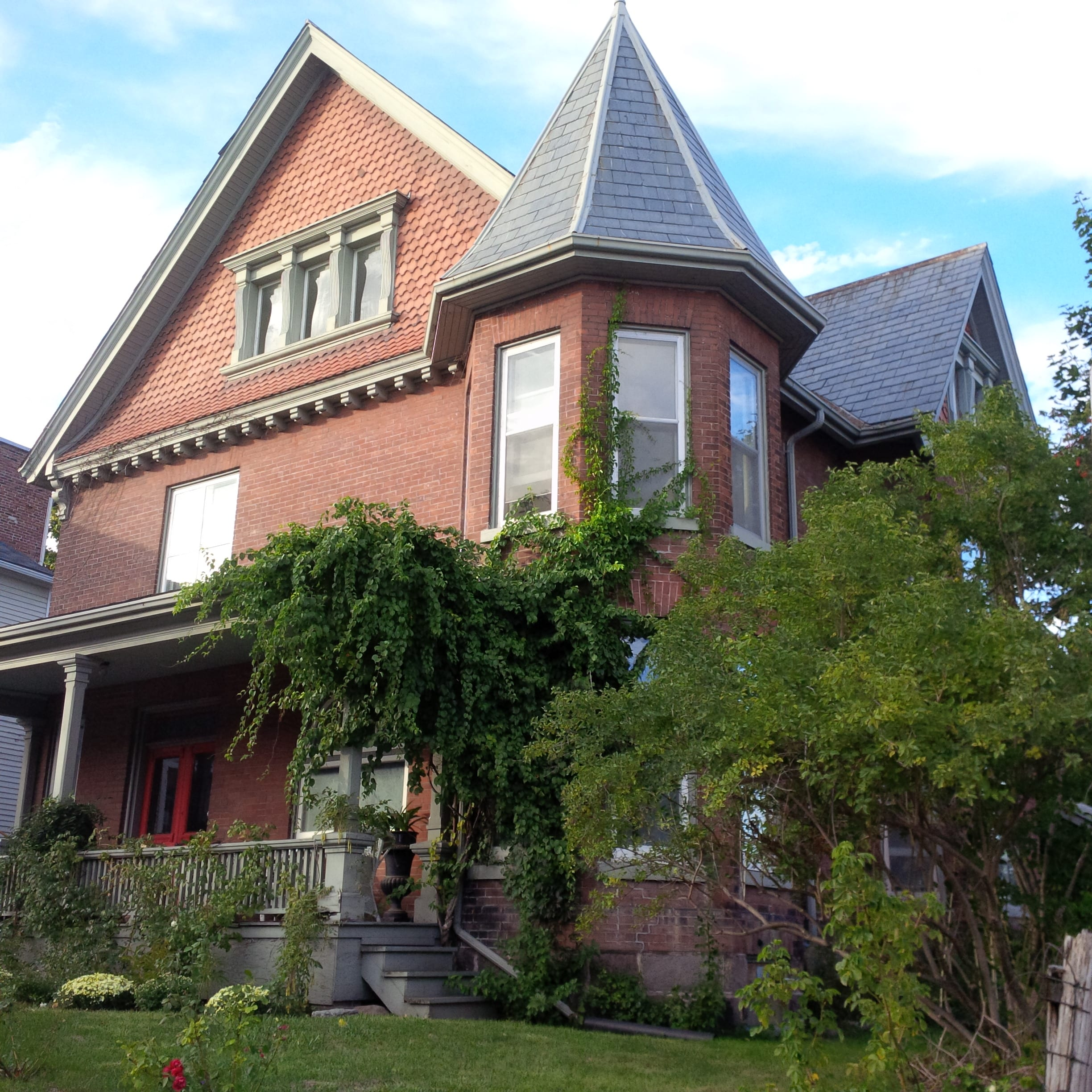 Grand Queen Anne Revival. Port Hope